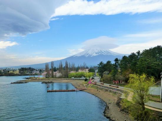 lake-kawaguchi-ohashi